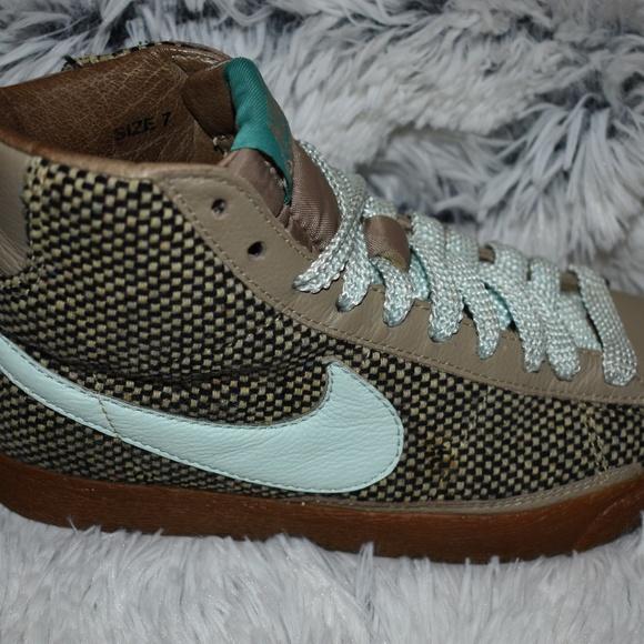 Nike Womens Blazer 73 Premium Tweed Size 7